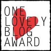 0407c-onelovelyblogaward